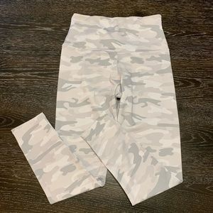 Onzie Yoga Camo Leggings